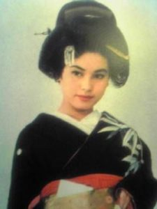 デヴィ夫人 若い頃 生い立ち 画像14