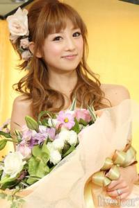小倉優子 花束 画像