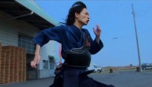 綾野剛 走り方