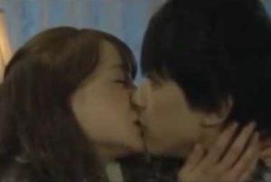吉沢亮 キスシーン 動画
